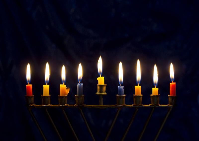הפנינג חנוכה מתנפחים  הדלקת נרות חנוכה